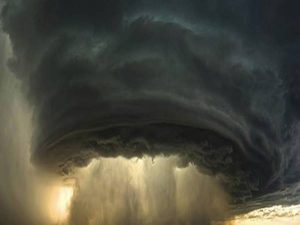 Giải mã ý nghĩa giấc mơ thấy giông bão mang điềm báo gì?