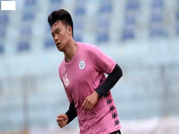 CLB Hà Nội tiếp tục khủng hoảng khi Thành Chung bị treo giò