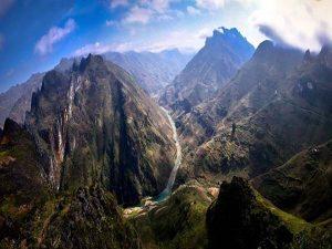 Giải mã ý nghĩa giấc mơ thấy núi mang điềm báo gì