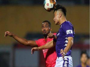 Hà Nội FC gặp khó khăn khi trụ cột Quang Hải dính chấn thương