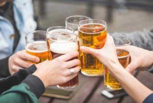 Nằm mơ thấy uống bia đánh con gì đánh số mấy