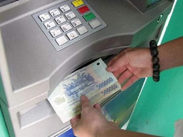 Rút tiền từ nhà cái về ngân hàng