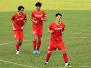 Bóng đá Việt sáng 29/9:  ĐT Việt Nam chào đón Đình Trọng trở lại